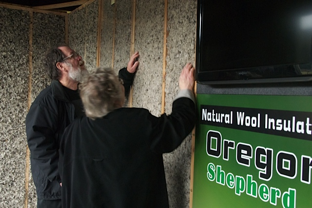 Oregon Shepherd wool loose fill insulation