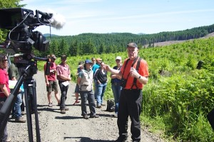 Dr. Mike Newton conducts and Oregon State University workshop tour for timber owners; photo by Jan Jackson
